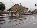 'Zsil utca' villamosmegálló a Bálna épület felé nézve, eső, 2019 Ferencváros.jpg
