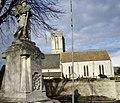 Église et monument aux morts Hermanville.jpg