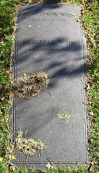 Östra, Hjalmar Wijk 1877-1965.JPG