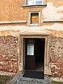 Šardice, augustiniánská rezidence, portál.jpg