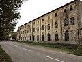 Зграда бившег логора у Зрењанину.JPG