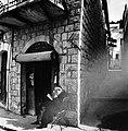 ר' פלפל בחזית חנות מכשירי הכתיבה, צפת 1960.jpg