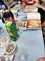 שולחן הסדר ספרינג קולה הגדה של במבה.jpg