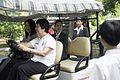 นางพิมพ์เพ็ญ เวชชาชีวะ ภริยา นายกรัฐมนตรี ณ Singapore Botanic Gardens - Jacob B - Flickr - Abhisit Vejjajiva (29).jpg