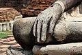 มือพระพุทธรูปหินทราย.jpg