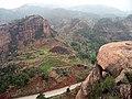 韶关坪石镇金鸡岭 - 阳元石(远处中间的那个,很像☻) - panoramio.jpg