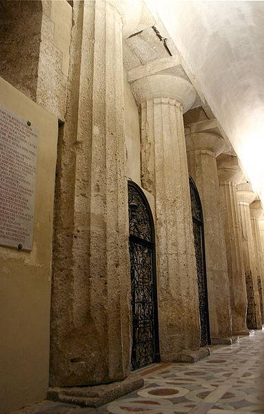 File:0777 - Siracusa - Duomo - Navata destra - Foto Giovanni Dall'Orto - 22-May-2008.jpg