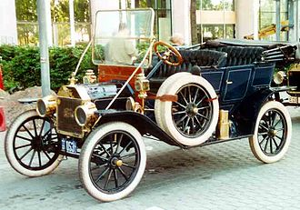 Production vehicle - Early production car - 1912 Ford Model T Touring
