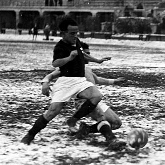 Mario Magnozzi - Magnozzi playing for A.C. Milan in 1933