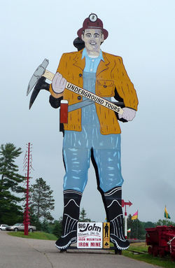 Big John, at the Iron Mountain Iron Mine, is a roadside attraction.