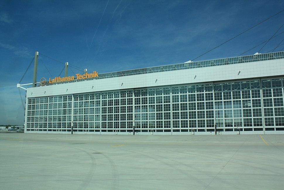2011 MUC Airport Lufthansa Wartungshalle