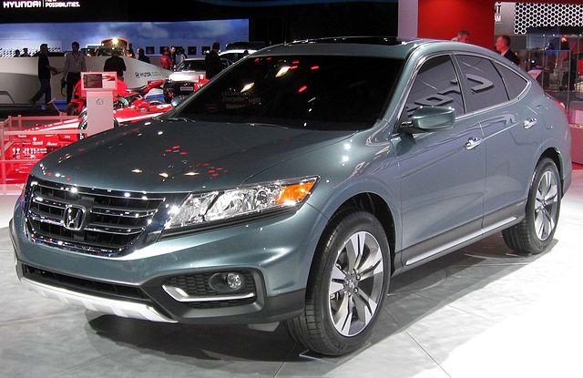 http://upload.wikimedia.org/wikipedia/commons/thumb/2/2d/2013_Honda_Crosstour_concept_--_2012_NYIAS.JPG/640px-2013_Honda_Crosstour_concept_--_2012_NYIAS.JPG