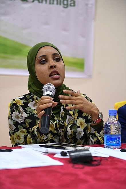 Federal legislator Muna Khalif chairing a political workshop. 2016 16 Youth Workshop-6 (30821301124).jpg