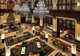Union Station (Nashville) - Hotel lobby and chandeliers