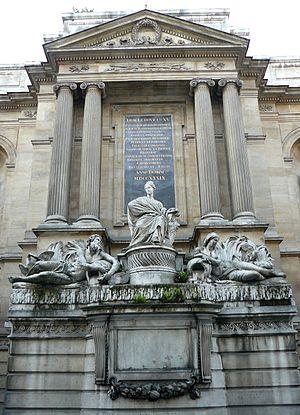 Fontaine des Quatre-Saisons -  Central part of the fountain