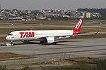 A350-900XWB LATAM SBGR (36573617076).jpg