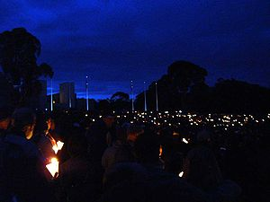 Australian War Memorial - Anzac Day 90th anniversary Dawn Service (25 April 2005)