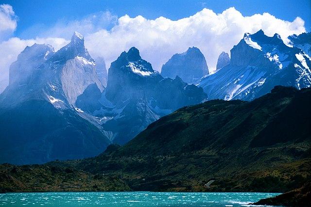 640px A view towards Torres Del Paine