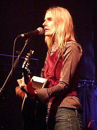 Aimee Mann 2008.jpg