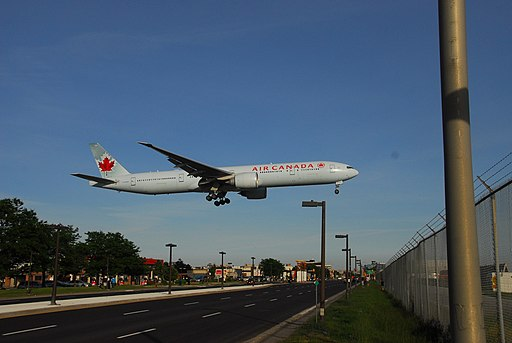 Air Canada Boeing 777-333-ER - C-FIUW - 737 - Flight AC877 from FRA to YYZ (14249307547)