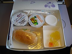 Airline meal-Thai UDT-BKK.JPG
