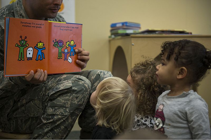 File:Airmen, children honor MLK through reading 160114-F-VE588-095.jpg