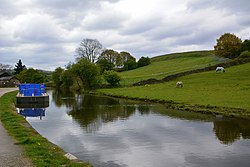 Apperley Bridge to Esholt (34570314316).jpg