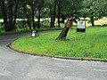 Ardfern, big pointing finger - geograph.org.uk - 916072.jpg