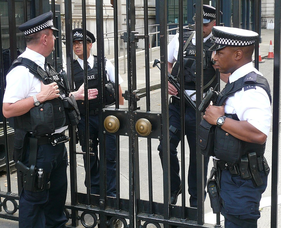 Armed police officers (London, 2014)