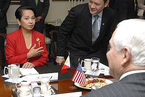 Gilbert Teodoro - President Gloria Macapagal-Arroyo and Defense Secretary Gilbert Teodoro with U.S. Defense Secretary Robert Gates during a meeting in the Pentagon.