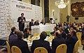 Artur Mas parla. Rodrigo Rato i Antoni Brufau escolten entre la resta de l'auditori, a l'esmorzar col·loqui d'Europa Press a Madrid.jpg