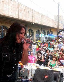 Audi Y Zentimiento singer-songwriter