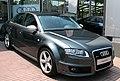 Audi RS4 2009 (33853453321).jpg
