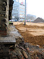 Aushub per Bagger 1m Alter St. Nikolai-Friedhof Nikolaikapelle Hannover, 18a Gebeine durch Bauhistoriker Sid Auffarth plaziert.jpg