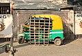 Auto rickshaw, Kolkata.jpg