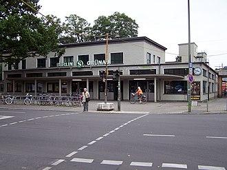 Berlin-Grünau station - Image: Bahnhof Berlin Grünau 02