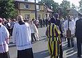 Bełżec Przybycie ks. abpa Mieczysława Mokrzyckiego z relikwiami św. Jana Pawła II 18.06.2014.jpg