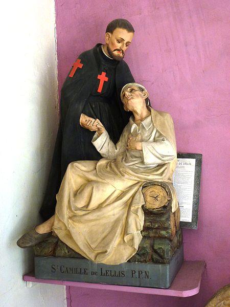 Beuvry-la-Forêt (Nord, Fr) église, statue St.Camille de lellis