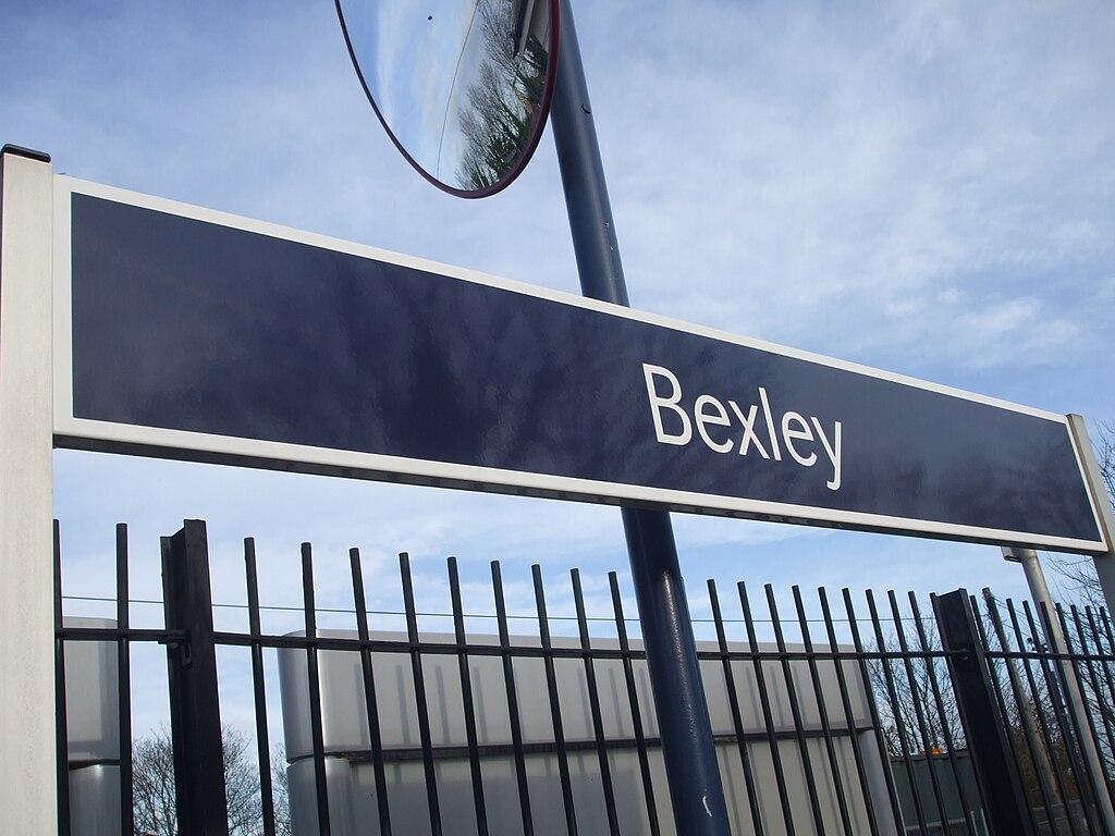 Bexley station signage