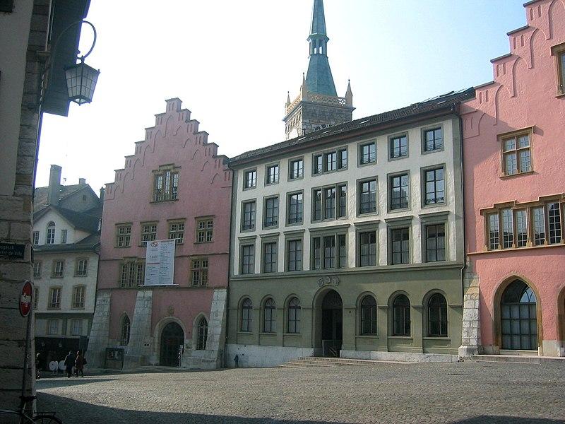 File:Biel Stadttheater und Rathaus.jpg