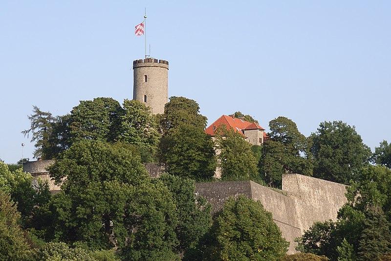 File:Bielefeld Sparrenburg 2.jpg