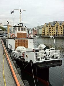 Bilfærgen in Ålesund harbour.jpg