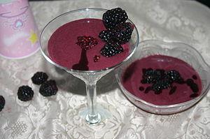 Fruit fool - Blackberry fool