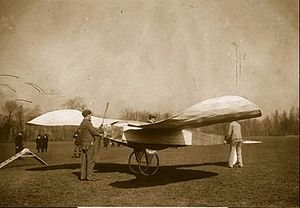 Louis Blériot - The Blériot V canard monoplane, built in January 1907