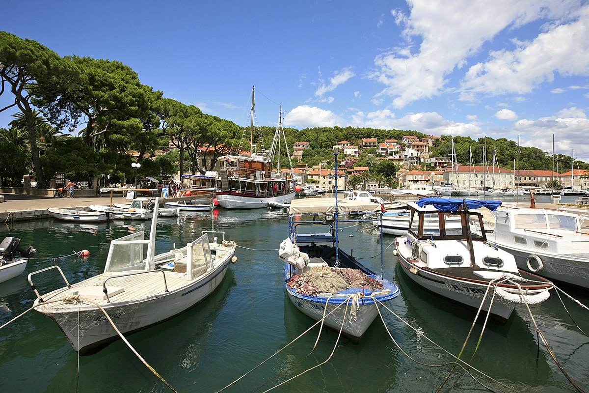 Boats in the Port of Jelsa, Hvar Island (5970077739).jpg