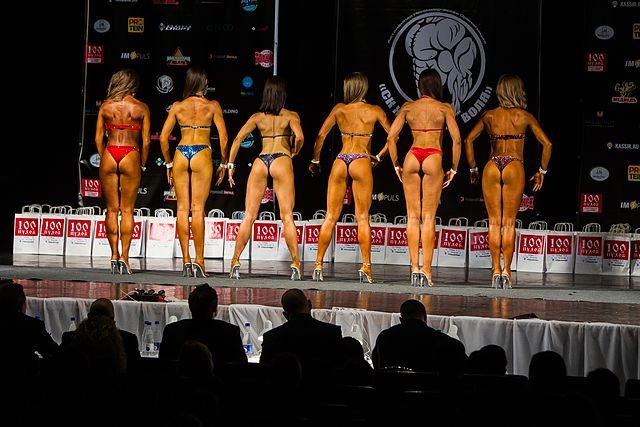 Bodybuilding and fitness bikini open tournament in Kaliningrad (2016-10-16) 25.jpg