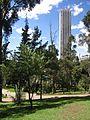 Bogota Torre colpatira y Parque de la Independencia.jpg