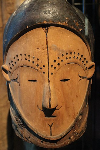 Beti people - A wooden mask of the Beti people