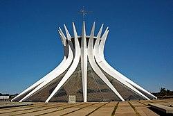 Brasilia Catedral 08 2005 03.jpg