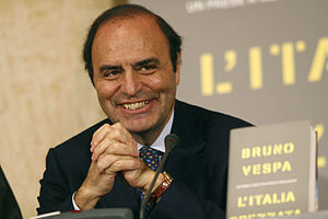 {{it|Bruno Vespa alla presentazione del suo li...
